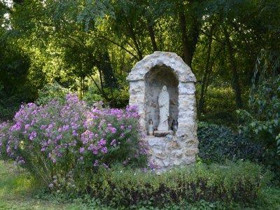 Mária szobor a Fürdőparkban